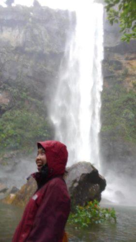 増水のピナイサーラの滝